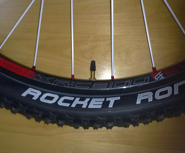 DT Swiss xrc 300+ Rochet Ron+ Stan's Notubes-001.jpg