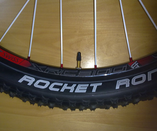 DT Swiss xrc 300+ Rochet Ron+ Stan's Notubes - Please advice-001.jpg