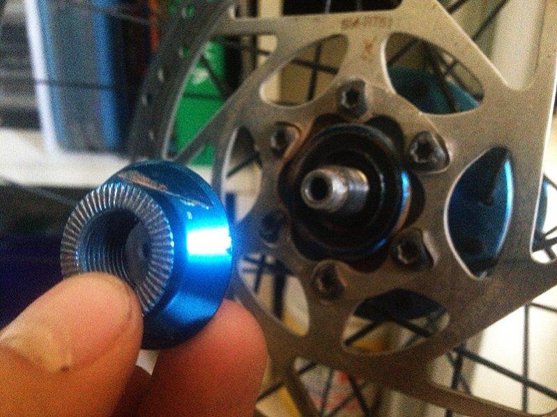 Accessing wheel bearings-003.jpg