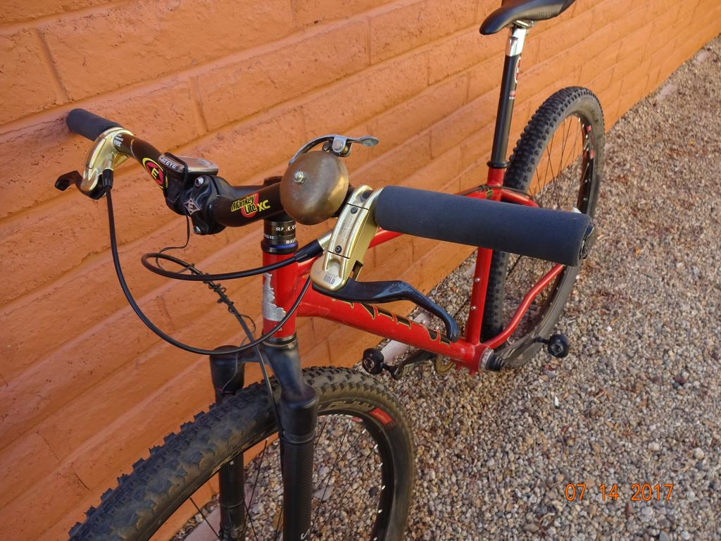 Grips and bars for rigid fork SS-004.jpg
