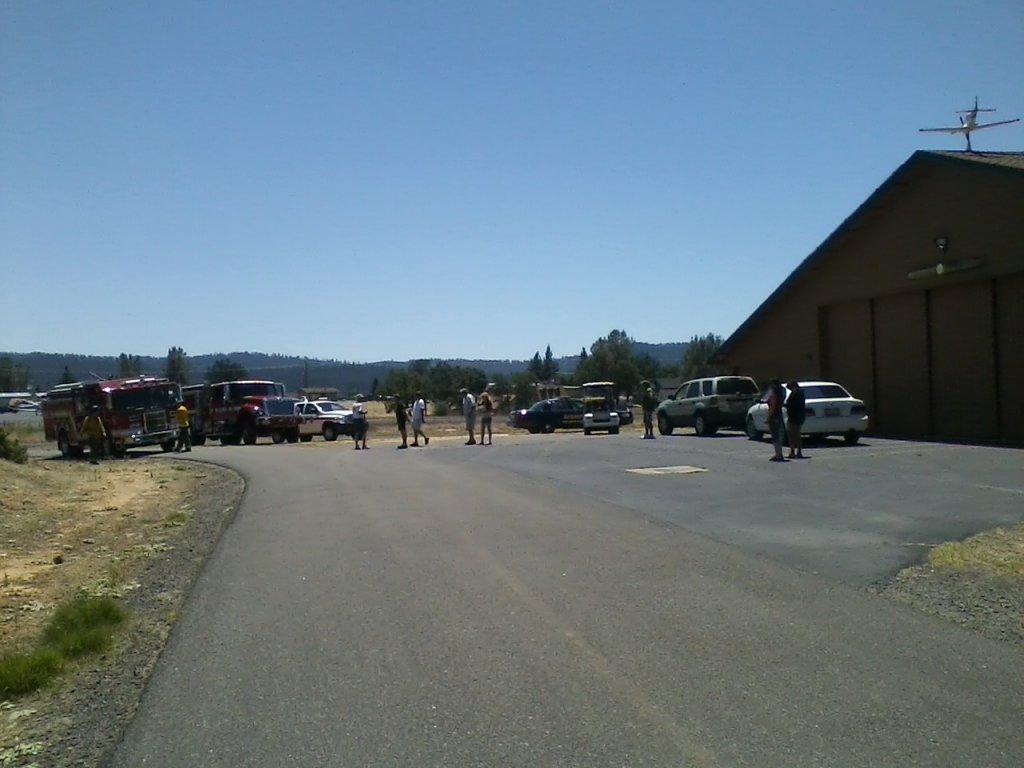 Small plane crash Pine Mtn Lake-008.jpg