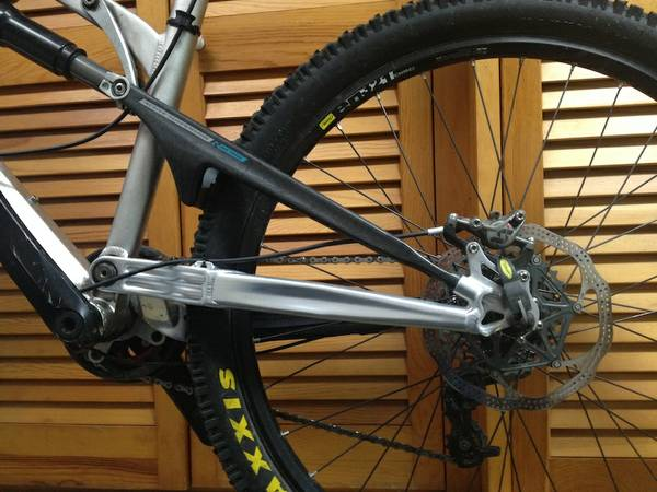 going to go get this bike tomorrow, can anyone identify this wheel set-00k0k_3yjw048bmrq_600x450-2.jpg