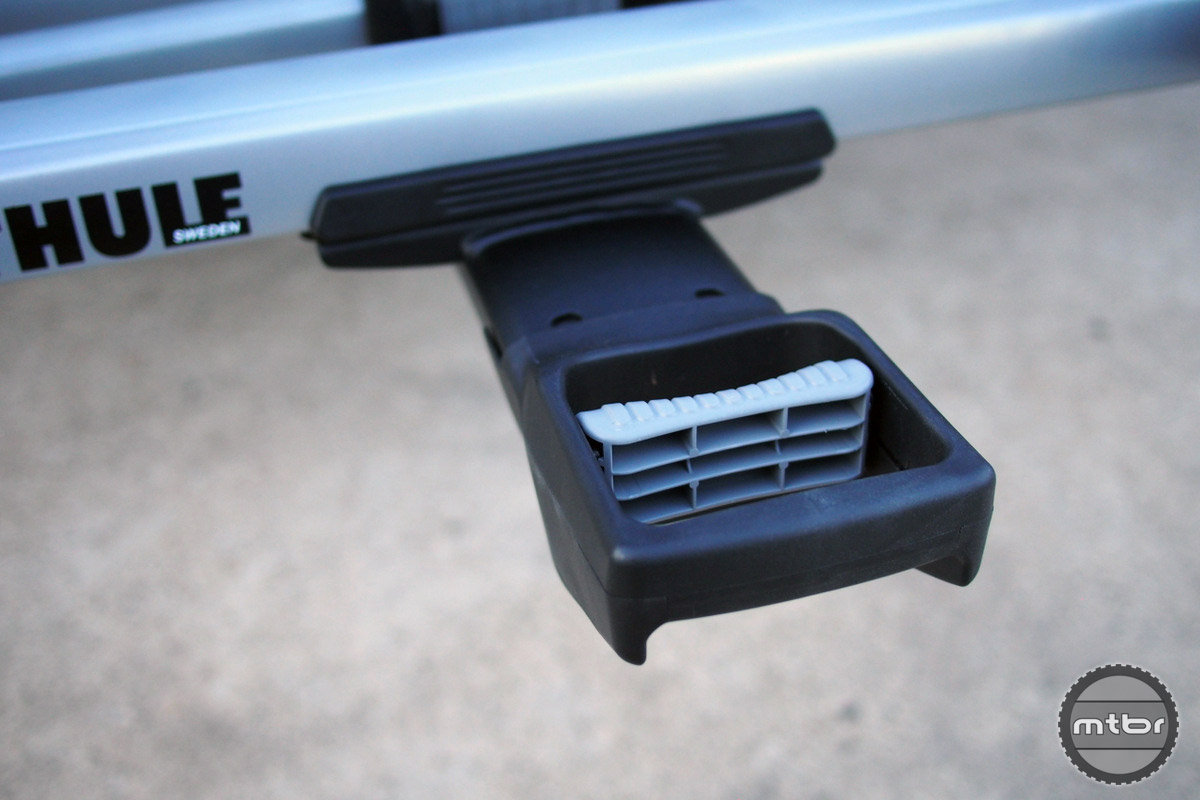 The tilt lever is now conveniently placed in the outermost side of the rack for easy access.