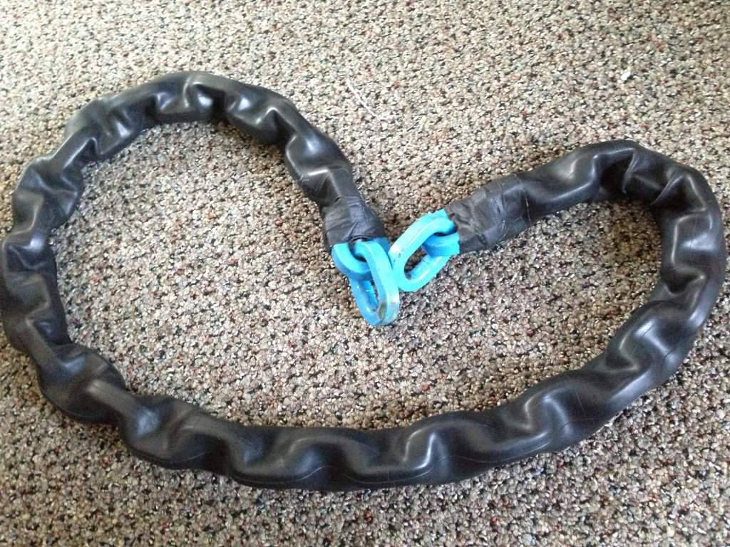 So this is what happen to my bike protection chain today...-011.jpg