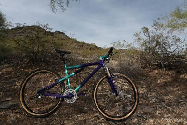 need help identifying this bike-01515_ixnr4ayp6fg_600x450.jpg