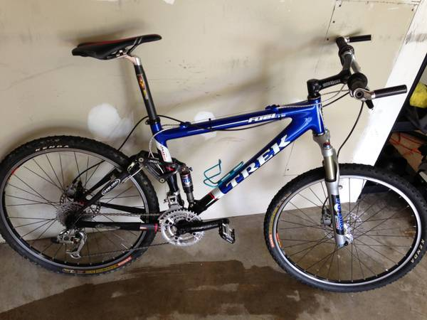 Well I couldnt find the xc section sorry guys. But hows this bike?-01616_3shlcjd0ulz_600x450.jpg