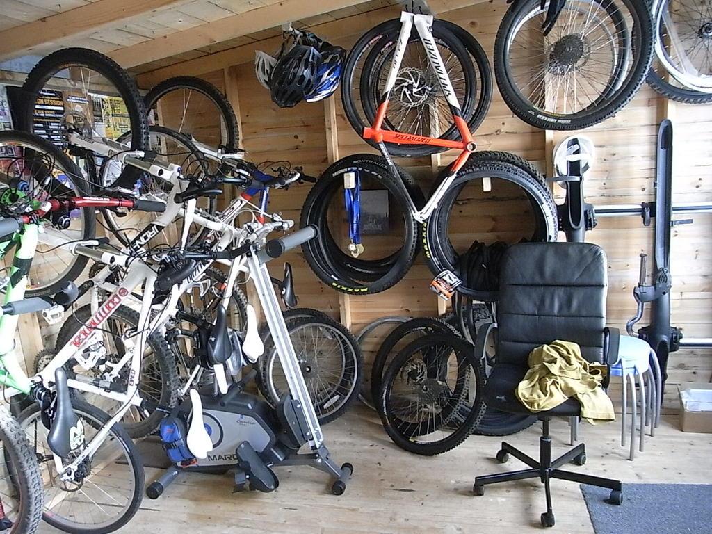 Gentil Organize Bike Closet 018 3
