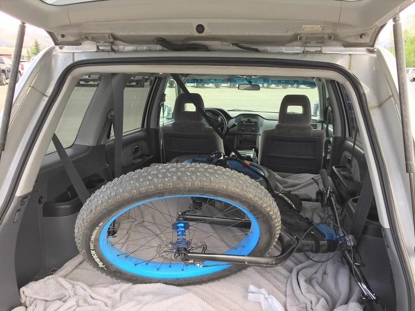 Fat bike in the back of SUV-019c0c834f937c80e63c5b5912c53c6f736ae8e2fb.jpg