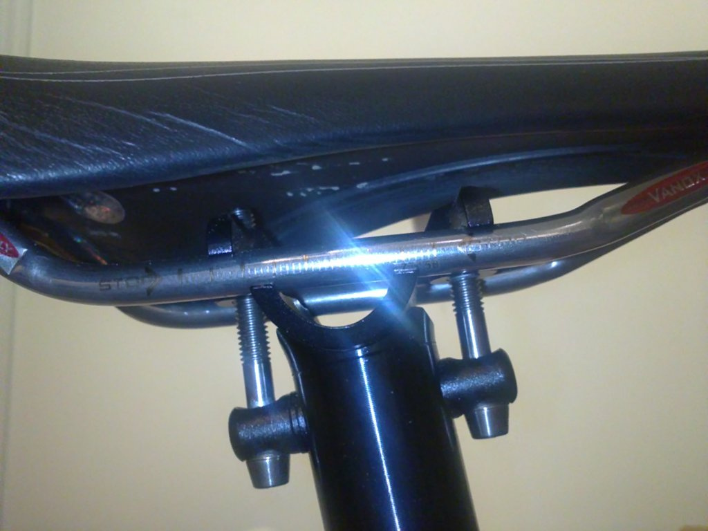 Full Carbon Saddle with KCNC Ti pro Lite-8000 seatpost...-02092013749.jpg