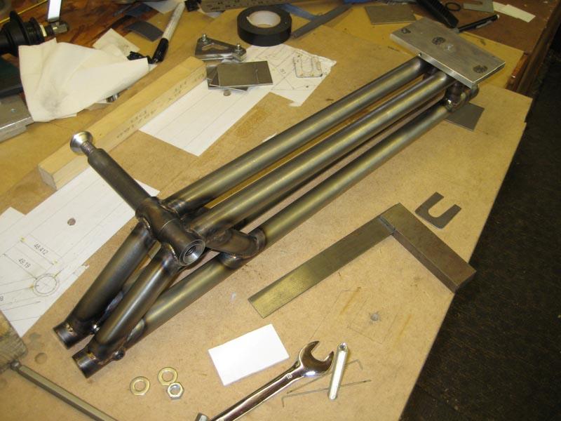 WMW - 2nd frame - 1st TIG welded-03-wmw-swingarm-check.jpg