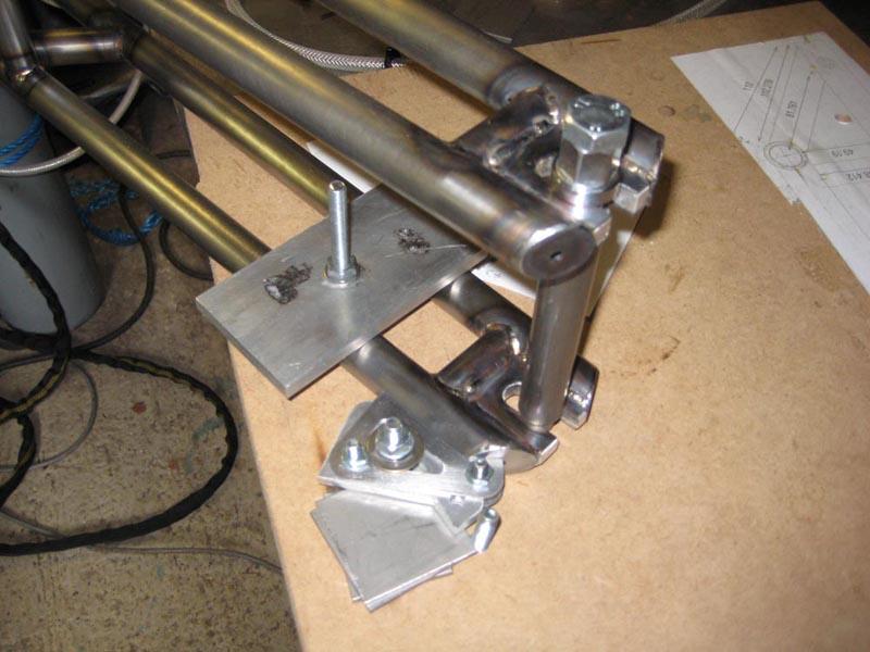 WMW - 2nd frame - 1st TIG welded-05-mount-jig.jpg