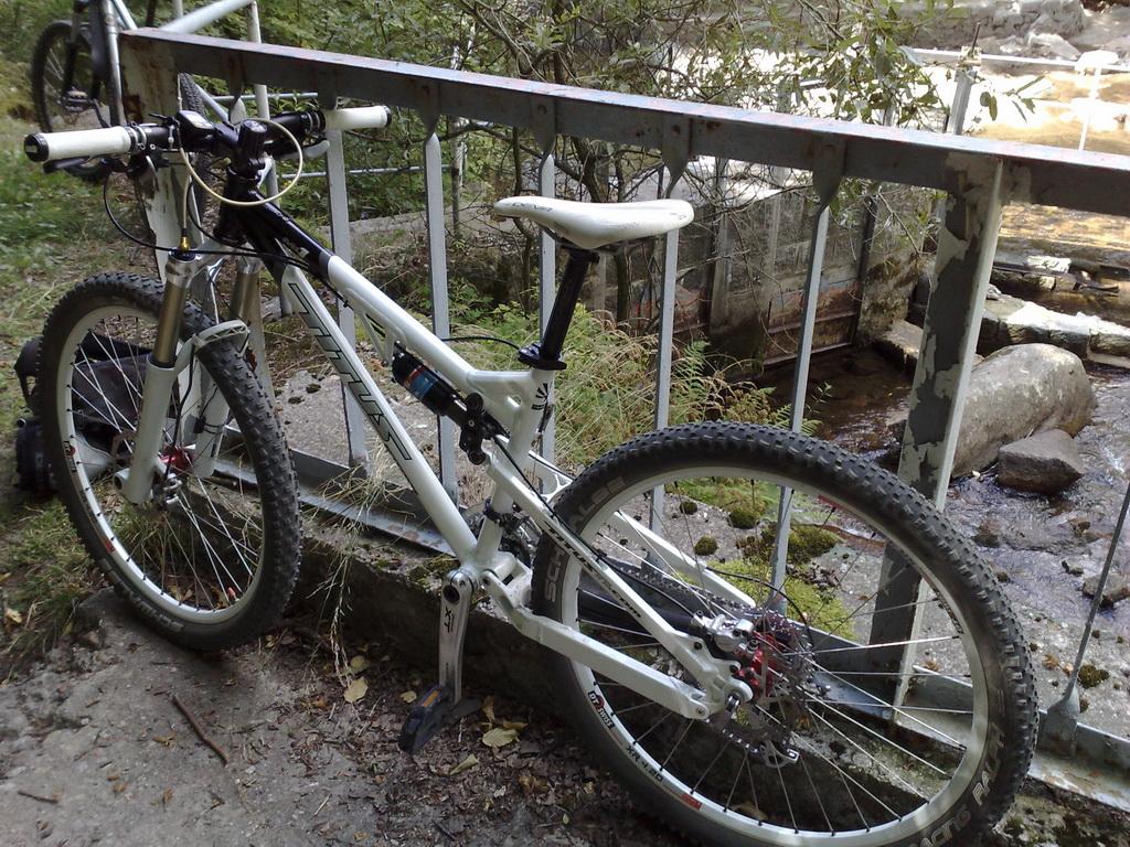 Titus Bike Pr0n-050920095638_resize.jpg