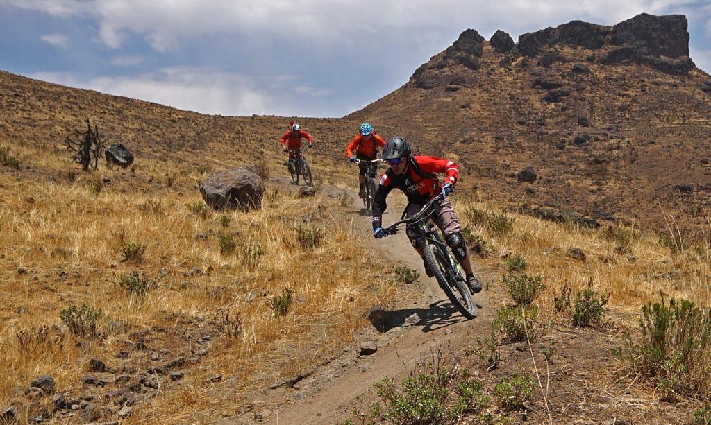 Biking in Peru-05uppertraildsc06021.jpg