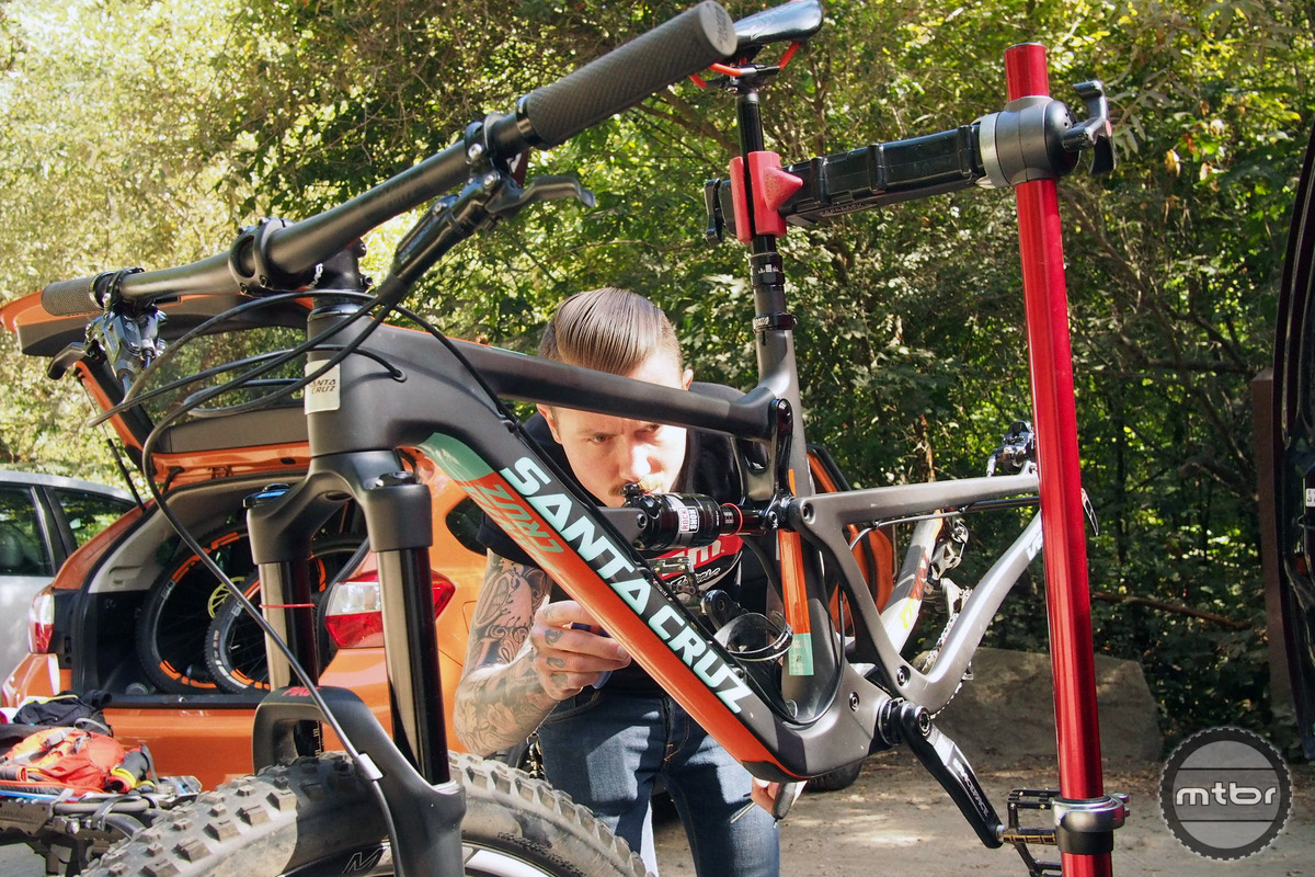 Ace racer and mechanic Duncan Riffle paid us a visit in Santa Cruz to do a pro install of the Eagle.