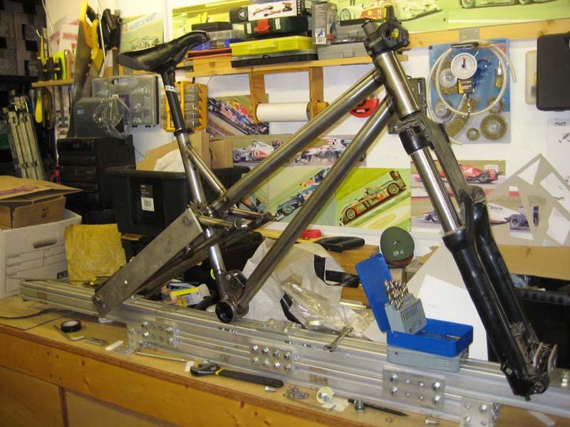 WMW - 2nd frame - 1st TIG welded-09-wmw-geometry-jig.jpg