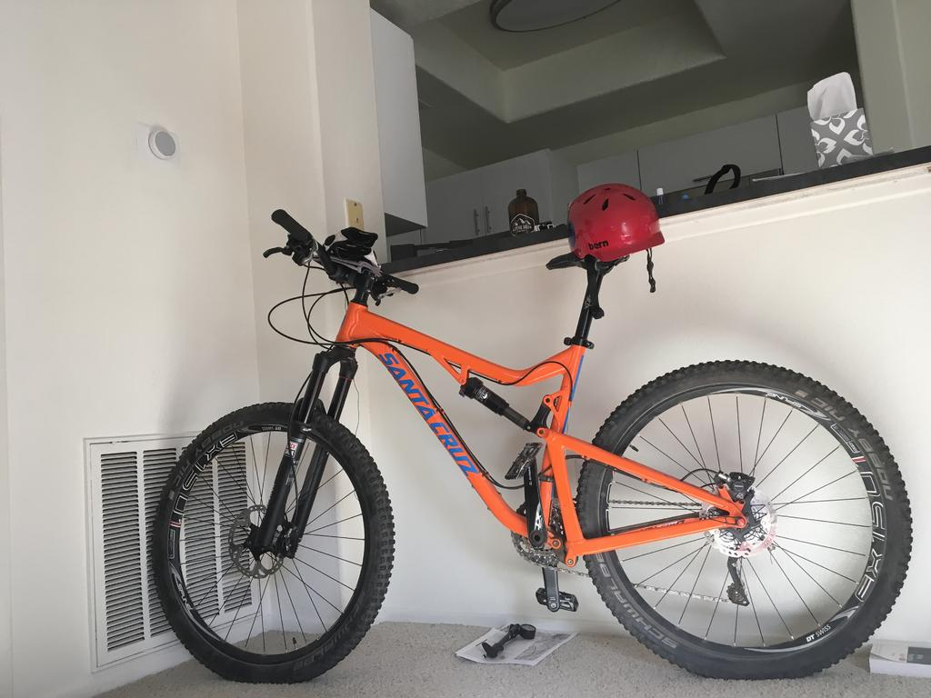 Storing your bike when space is limited-0ef988cc-231f-4a22-ac1d-39a0b034f1ea.jpg