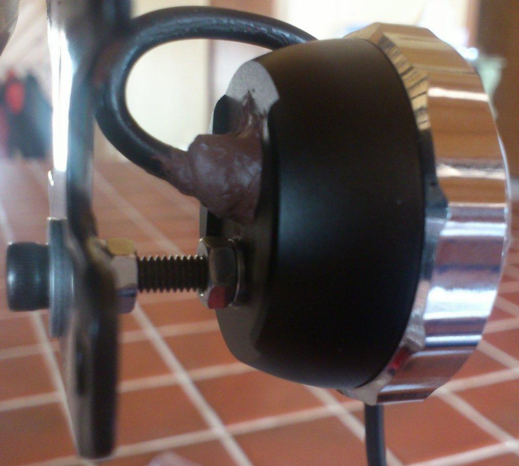MagicShine MJ-818 Tail Light - Custom Threaded Rack Mount-1-2013-04-15-11.33.24.jpg