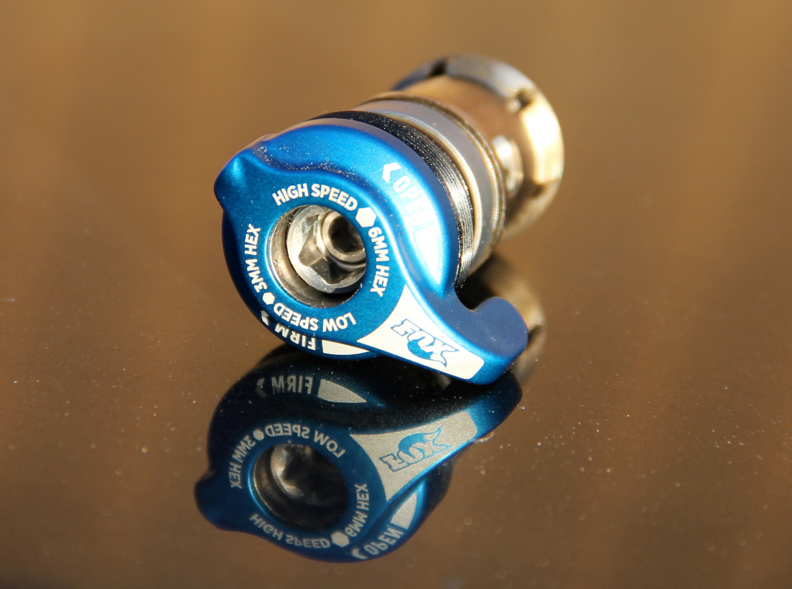 The X2 lever is an optional feature on these shocks and is available as an uprade.