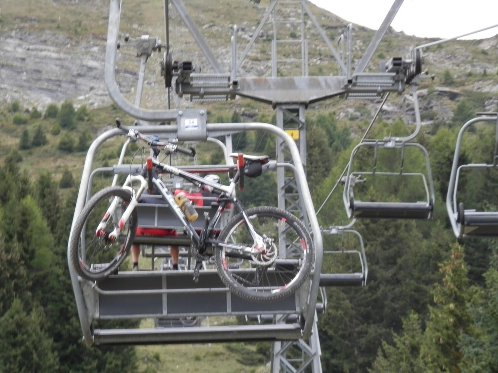 WARNING - Lenzerheide Bergbahnen AG = SCALOTTAS = and = TGANTIENI=-1.jpg