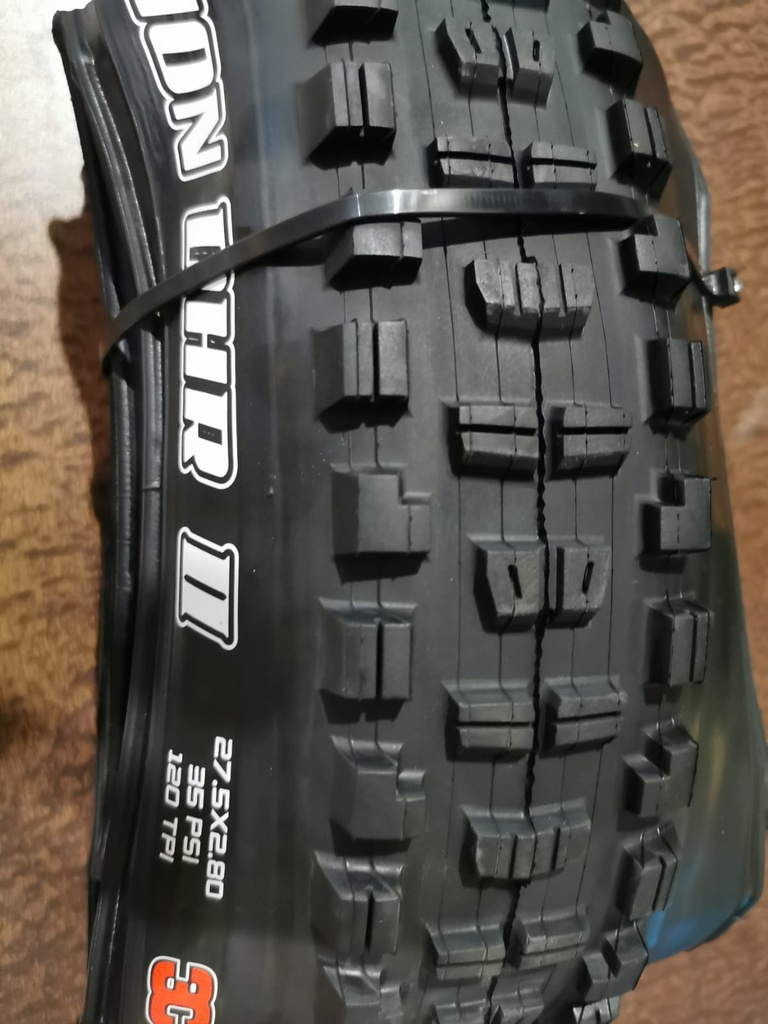 Maxxis Tire Real or Fake ? Please advise-1.jpg