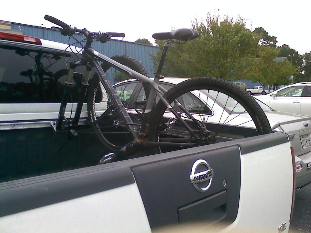Pick up truck bike racks?-1008121216.jpg