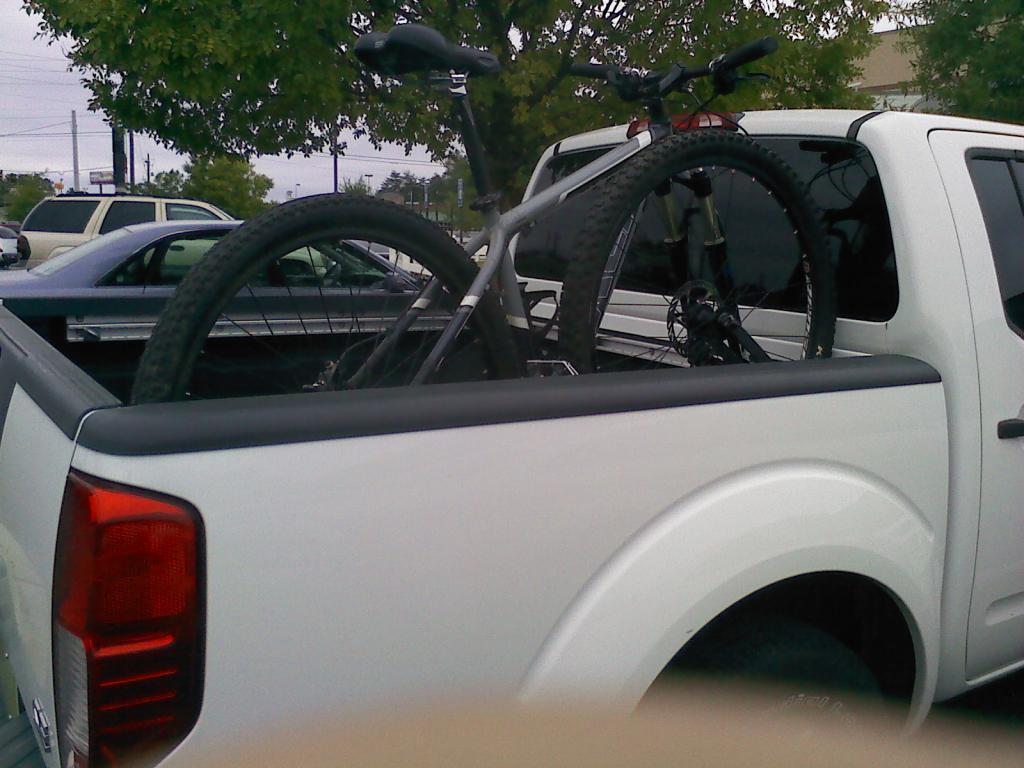 Pick up truck bike racks?-1008121216a.jpg