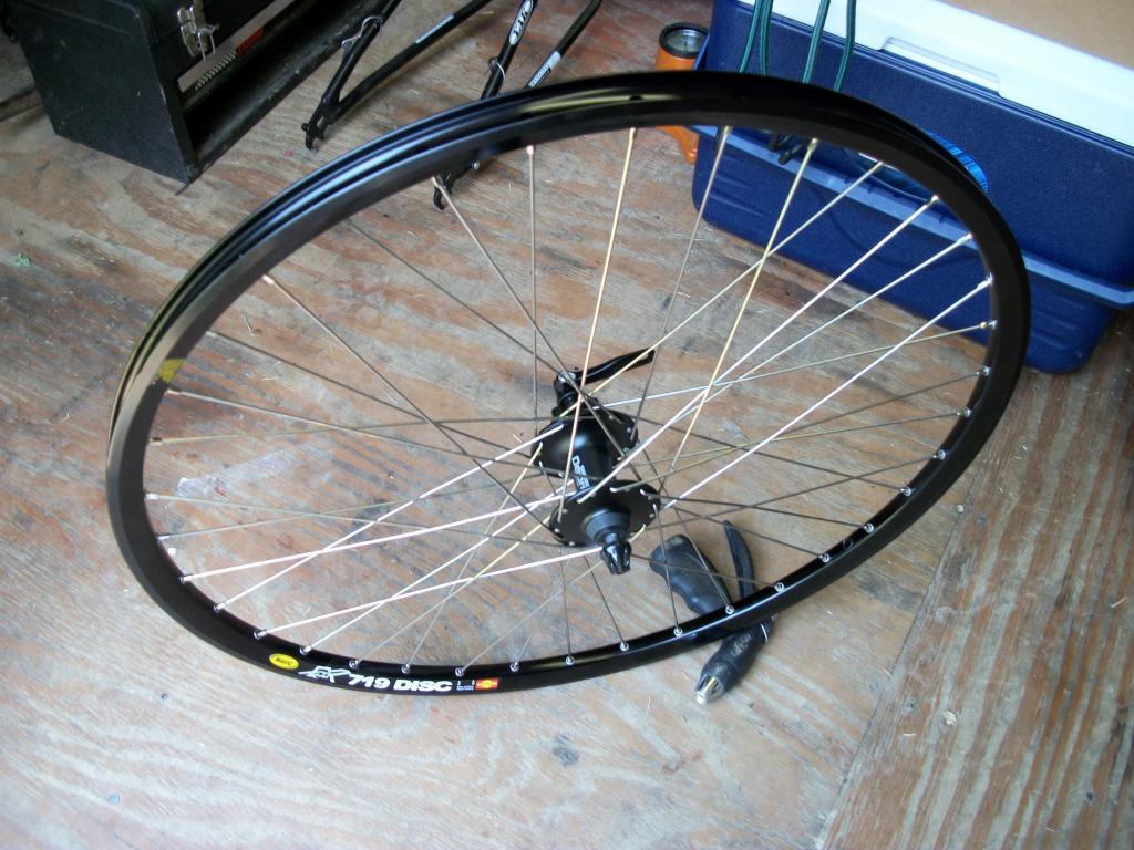 Wheelset for big dummy..-100_0043.jpg