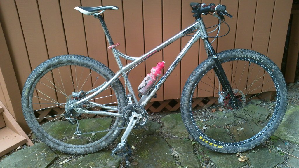 Curious to see the custom builds of 29ers out there.-100_0068.jpg