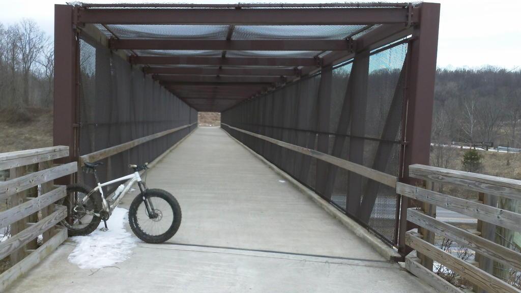 bike +  bridge pics-100_0144.jpg
