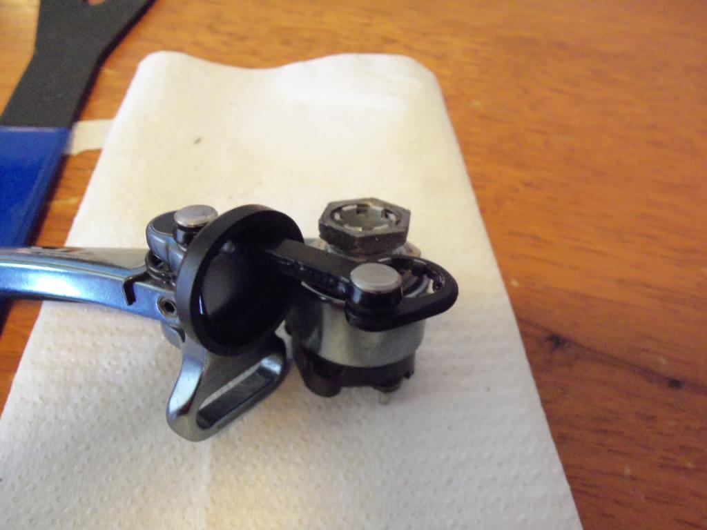 How to service XTR V brakes.-100_0517.jpg