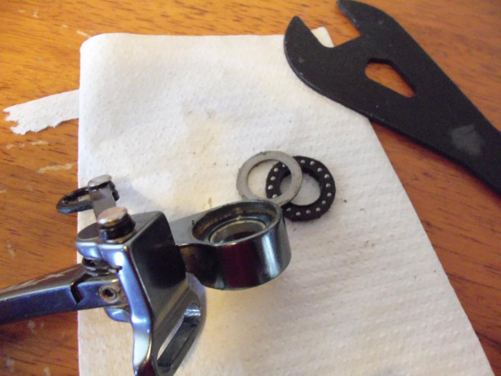 How to service XTR V brakes.-100_0525.jpg