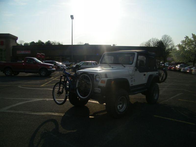 Three Bikes On A Jeep-100_0702.jpg