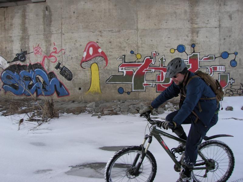 Graffitti....seen any....Post some Pics..-100_1371.jpg