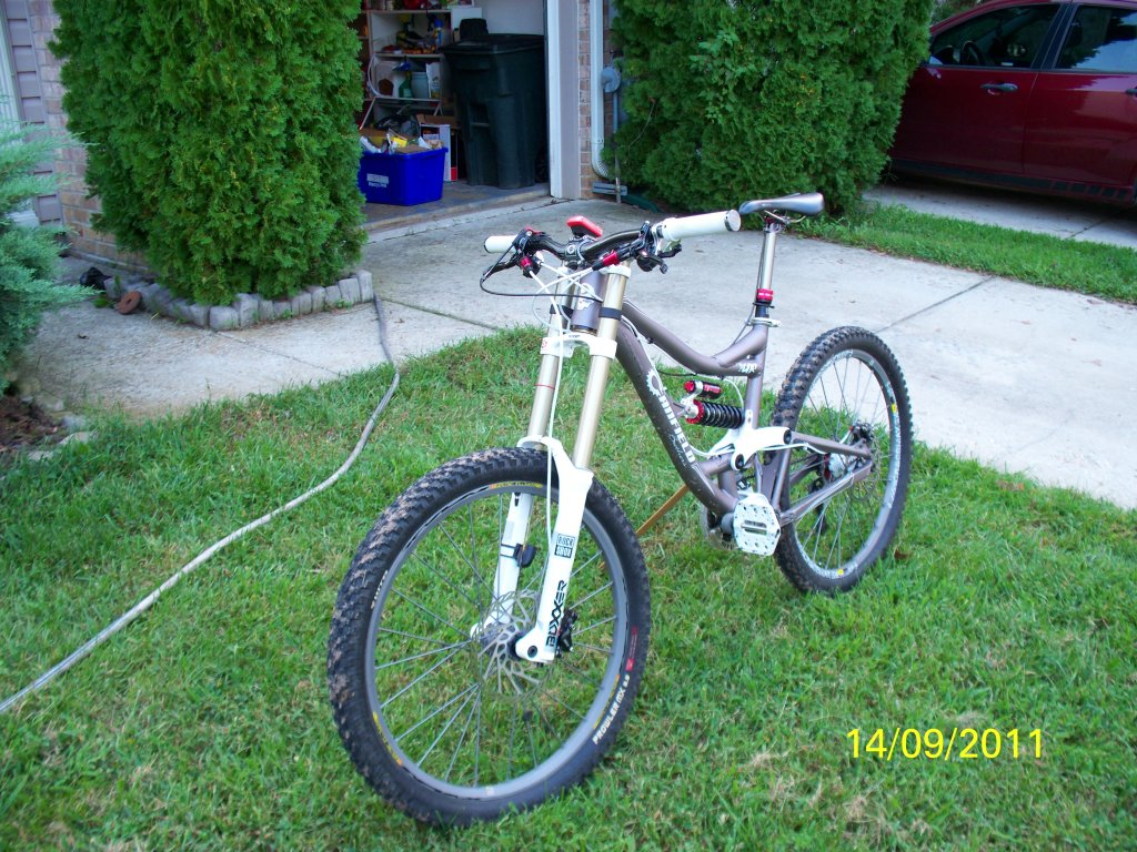 What Does your DH Bike Weight? Post' em Up ! !-100_1638a.jpg