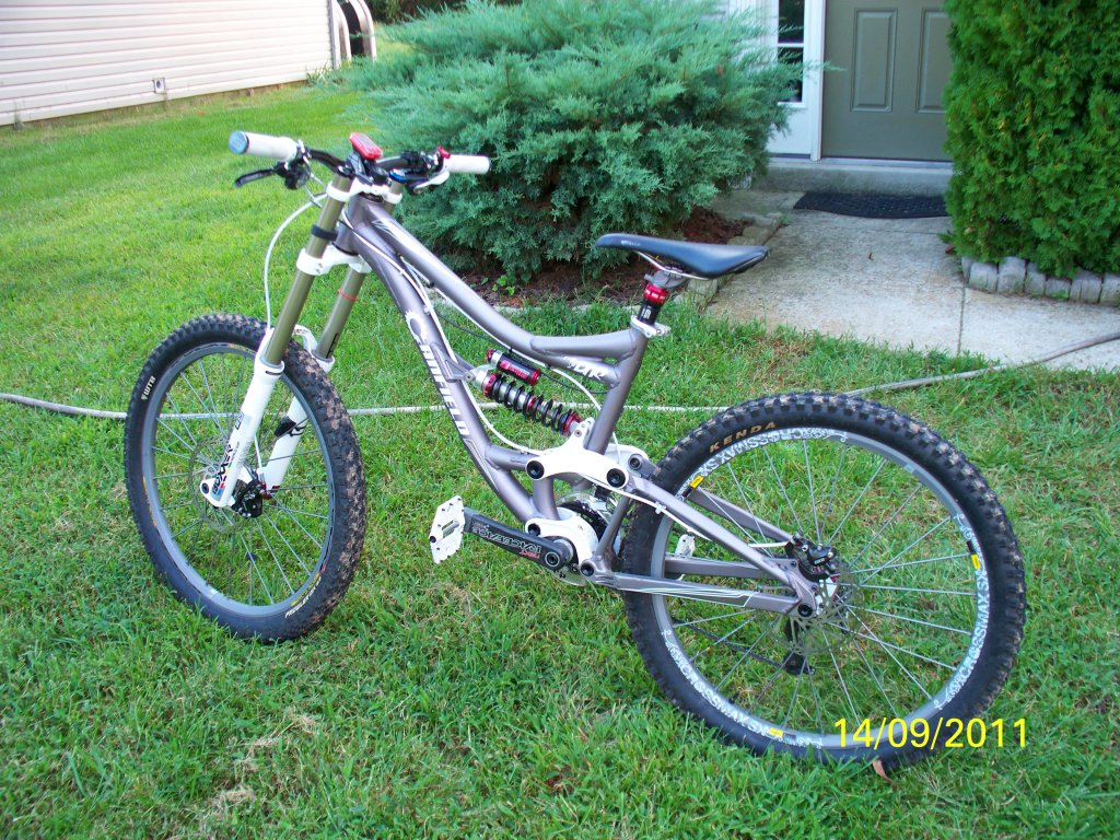 Lightest FR bike capable of resort DH that won't break me on the uphills...-100_1639a.jpg