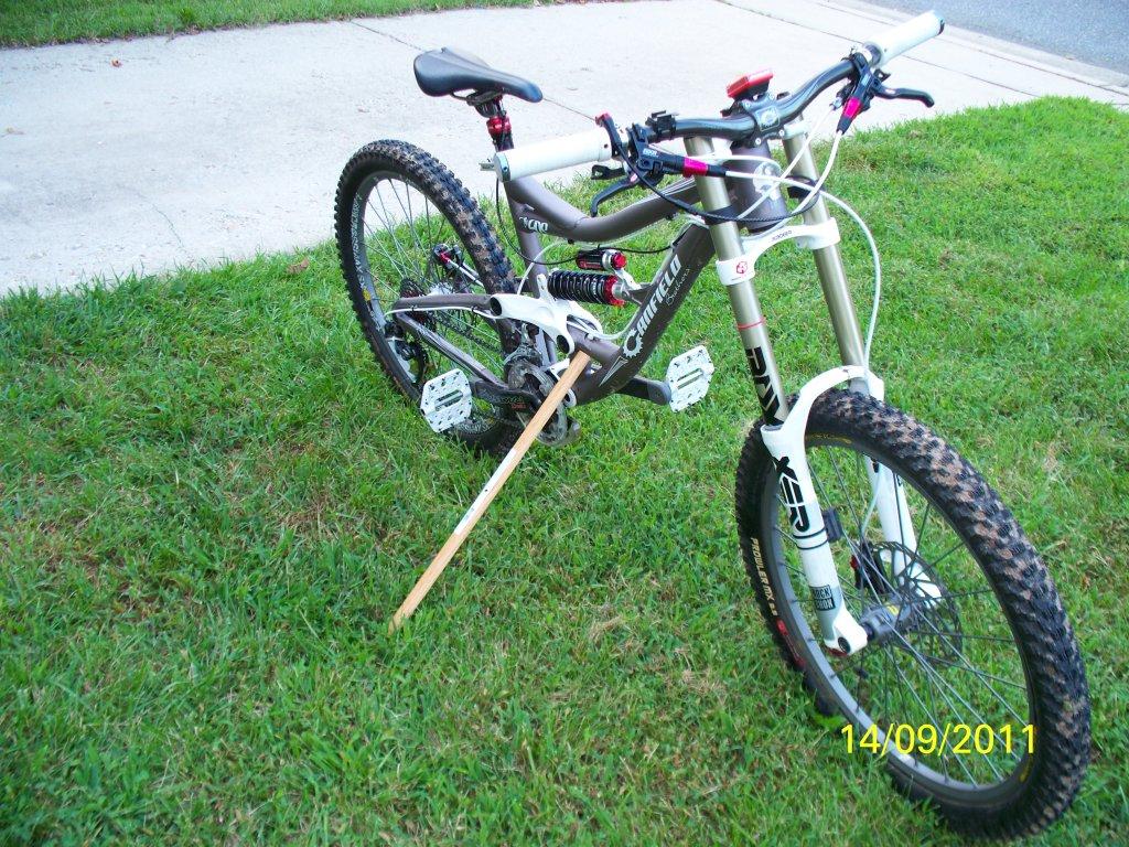 The I ride a DH bike uphill thread-100_1641a.jpg