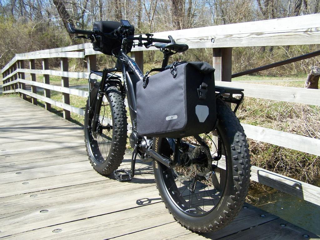 Get the pack mass lower on a full suspension bike?-100_3813.jpg