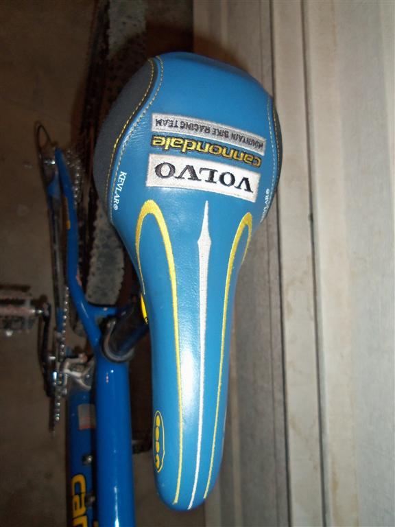1999 or 2000 volvo cannondale mountain bike race team edition bike. whats it worth-100_4971-medium-.jpg
