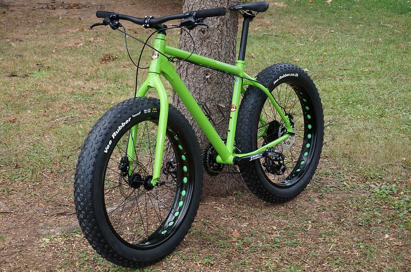 My new Motobecane 2014 Fantom FB4 Comp Fat Bike-10368298126_a2e494ff7e_c.jpg