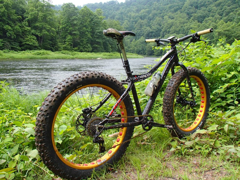 We just recevied our 2014 KHS 4 Season 3000 Fat Bikes......-10658703_10206849618062073_8128170747013678121_o-1-.jpg