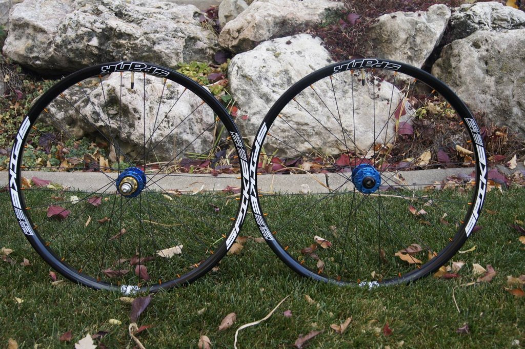 Lets see some blinged out wheelsets..I9,CK,Hope..anything goes!-10750270_1513450212244786_8267615584072072270_o.jpg
