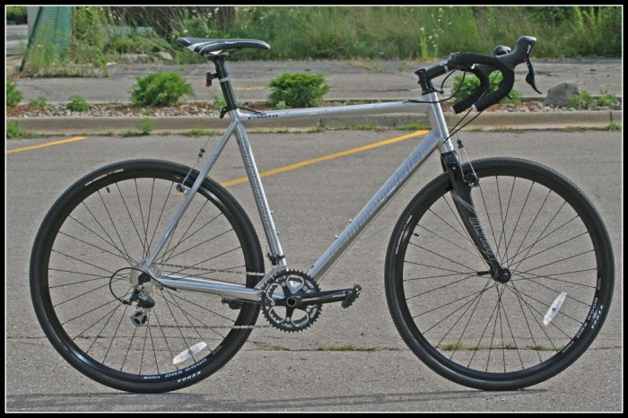 Wanting discs sure makes buying a commuter difficult...-10caad8cxfull-700x466.jpg