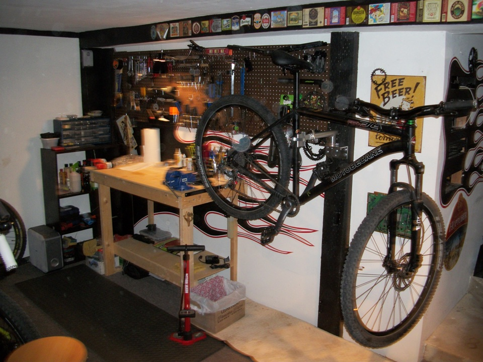 Anyone else have a dedicated workshop for their bikes?-120_2919.jpg