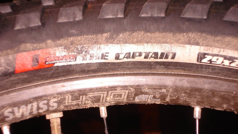 "Specialized ""The Captain""  29 X 2.0 Tires.....-122_800x450.jpg"