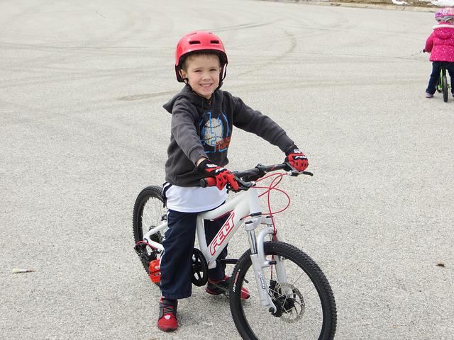 "20"" Performance Bike Starling Custom Build-12879099894_f39654e1d7_z.jpg"