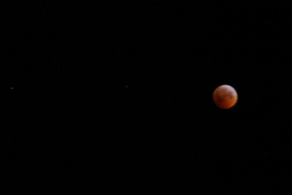 Totally off the subject... Lunar eclipse photo...-135109_1631960722157_1330828077_31850520_2797390_o-large-.jpg