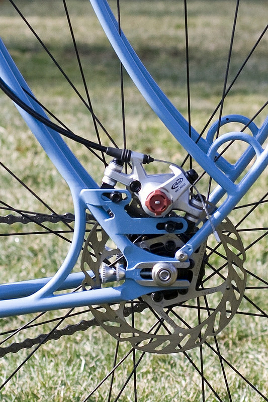 Placement of slotted disc brake mount on horizontal dropouts-13707143735_5c9672e30f_c.jpg