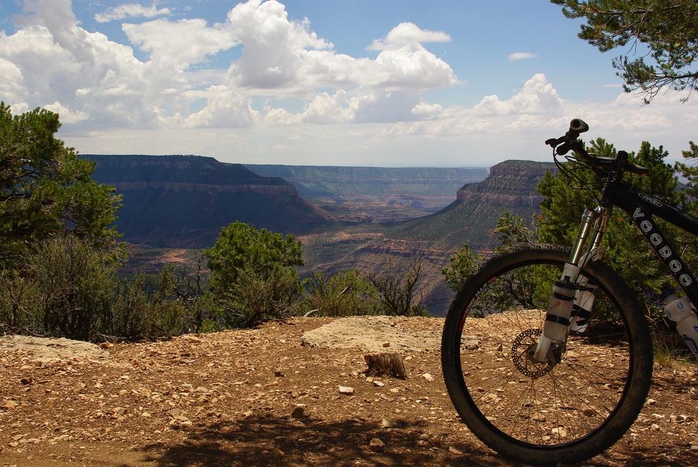 Riding the north rim.-14.jpg