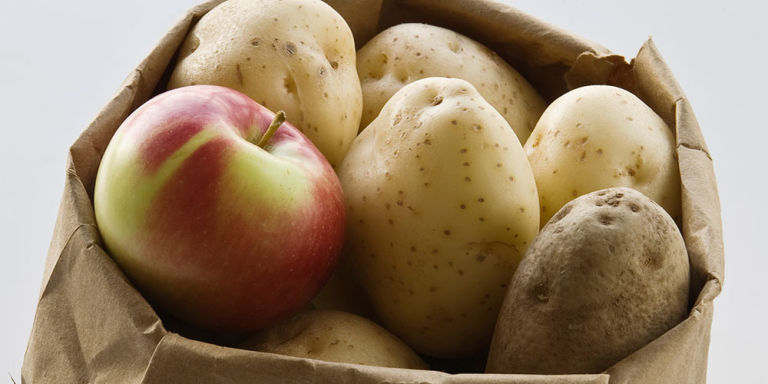 Vegetarian and Vegan Passion-1443544789-syn-hbu-1443452165-potato-bag-apples.jpg