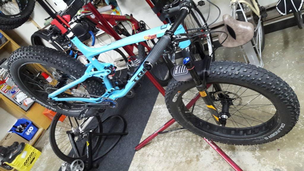 2017 Trek Farley EX Full Suspension Fat Bike-15397669_10154559072225751_1825737270_o.jpg